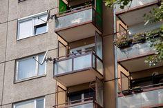 erkély felújítás fehér delta drót üveggel