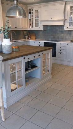 Simple Kitchen Design, Kitchen Room Design, Rustic Kitchen Decor, Kitchen Cabinet Design, Home Decor Kitchen, Interior Design Kitchen, Irish Kitchen Design, Home Depot Kitchen Remodel, Old Home Remodel
