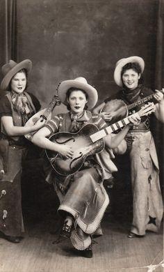Cowgirl trio