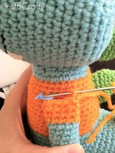 Tips for Attaching Amigurumi Limbs |Just B Crafty ༺✿Teresa Restegui http://www.pinterest.com/teretegui/✿༻