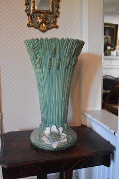 Roseville Lotus Vase - Buena Vista collection
