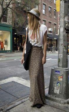 O animal print já é considerado um clássico do guarda-roupa feminino e promete continuar como tendência para o verão 2016. Confira no Moda que Rima.