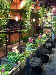 Ideas For Exterior Design Shop Plants Coffee Shop Interior Design, Coffee Shop Design, Restaurant Interior Design, Design Shop, Cafe Design, Salon Design, Bakery Design, Store Concept, Cafe Concept