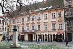 Bratislava - Building in the Panská Street https://www.google.com/maps/d/edit?mid=1peiLhfLGVISgg9Ia7zYOqWecX9k&ll=48.142245271213945%2C17.105951145603853&z=18