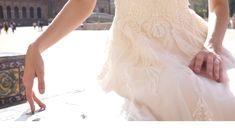 Eine Hochzeit ist Leidenschaft in ihrer reinsten Form. Genau dieses Gefühl soll das Brautkleid vermitteln. Form, Lady, Lace Skirt, Skirts, Fashion, Veils, Passion, Wedding, Nice Asses