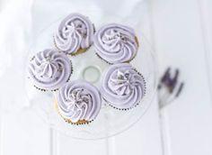 Lavender cupcakes - recipe from Eric Lanlard Lavender Cupcakes, Floral Cupcakes, Love Cupcakes, Go Pink, Purple, Eric Lanlard, Fairy Cakes, Macaroons, No Bake Desserts