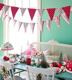 Love these polka dot banners.  So many cute advent and decorating ideas on this blog.