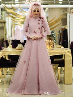 Don't miss Muslim Wedding Gown, Muslimah Wedding Dress, Muslim Dress, Pakistani Wedding Dresses, Best Wedding Dresses, Bridal Dresses, Gown Party Wear, Shadi Dresses, Pink Evening Dress