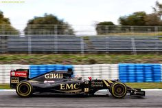 Pastor Maldonado (VEN) Lotus F1 E23.Formula One Testing, Day Three, Tuesday 3rd February 2015. Jerez, Spain.
