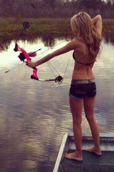Girl bow fishing with a beautiful pink compound bow and arrow at the lake. Country fun I want a bow Outdoor Girls, Outdoor Fun, Hunting Girls, Bow Hunting, Archery Hunting, Coyote Hunting, Pheasant Hunting, Archery Girl, Archery Bows