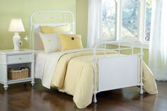 Kensington Textured White Twin Bed Set W/Rails 1708HTWR