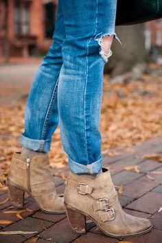 Botines en tono camello ideales con un par de Jeans desgastados