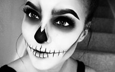 You don't need a fancy costume to slay Halloween this year! After t rawling through  P interest  for the p erfec t halloween ou tfit fo...