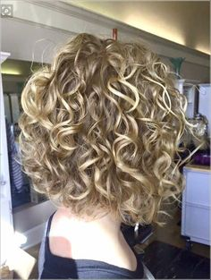 body wave perm before and after blondes & body wave perm before and after ; body wave perm before and after loose ; body wave perm before and after beach ; body wave perm before and after types of ; body wave perm before and after blondes Natural Curly Hair, Curly Hair Cuts, Curly Bob Hairstyles, Short Curly Hair, Medium Hairstyles, Easy Hairstyles, Curly Hair Styles, Perms For Short Hair, Short Permed Hair Before And After