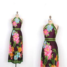 Vintage jaren 1970 jurk / 70s tropische Print Maxi jurk / donkere bloemen (kleine S)  Super leuk jaren  70 maxi jurk gedaan in een acetaat trui