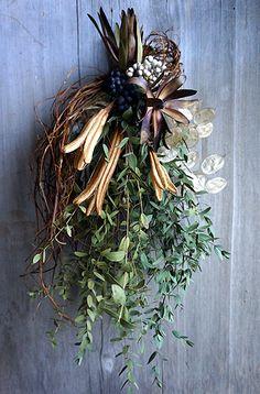 Dried Flower Wreaths, Dried Flowers, White Flowers, Christmas Flowers, Christmas Wreaths, Xmas, Wedding Bouquets, Wedding Flowers, Flower Boquet