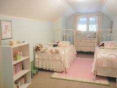 Life on Circle Avenue: The Girls Bedroom: Updated!