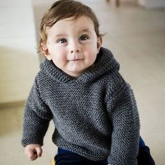 Flot anorak til de mindste Baby Boy Knitting Patterns Free, Jumper Patterns, Knitting For Kids, Knit Patterns, Free Knitting, Knit Baby Sweaters, Boys Sweaters, Baby Barn, Crochet Baby