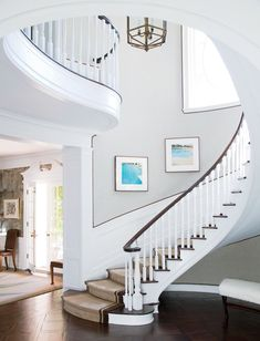 Traditional Staircases Design