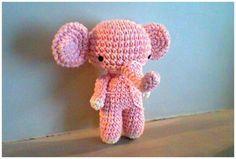 Elefantitos tejidos al crochet (amigurumi)  Realizados en hilo de algodón y rellenos con vellón siliconado, con ojos de seguridad.  Miden 15cm aprox.  Co...