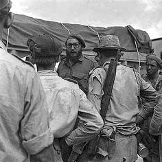 Fidel Castro durante la Invasión a Playa Girón Foto Joaquín Viñas