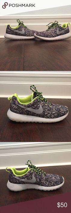 Nike Roshe Run Training Shoes in Green & Black These Nike Roshe Run shoes are a size 8 and are very comfortable. The pattern is a polka dot/cheetah print with lime green accenting. Nike Shoes Athletic Shoes