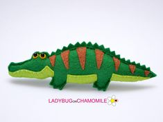Felt CAIMAN Crocodile, stuffed felt Caiman magnet or ornament, Crococdile toy,Amazonian animals, Nursery decor, Rainforest, Alligator