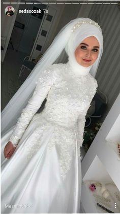 Hijab WeddingGelin Hijab Wedding Source : Gelin by sxmish Muslim Wedding Gown, Hijabi Wedding, Wedding Hijab Styles, Muslimah Wedding Dress, Hijab Style Dress, Muslim Wedding Dresses, Muslim Brides, Dream Wedding Dresses, Bridal Dresses