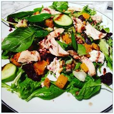 #leafitlikeme #foodporn #food #foodiesofinstagram #superfoodsalad #superfoodsmoothie #superfoodjuiceup by leafitlikeme