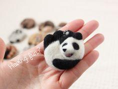 まるまる羊毛ブローチ パンダ【受注制作】