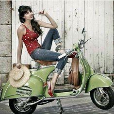 Jeans and Vespa Piaggio Vespa, Lambretta Scooter, Vespa Scooters, Vespa Motorcycle, Motos Vespa, Motorcycle Girls, Vespa Girl, Scooter Girl, Vespa Vintage