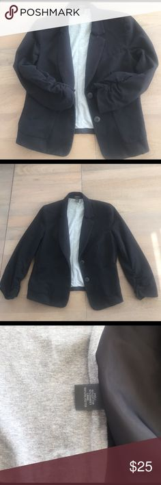 Kenneth Cole cotton blazer Kenneth Cole Reaction cotton jersey blazer. 90/10 cotton /spandex. Machine washable. 3/4 sleeve with ruching on cuff Kenneth Cole Reaction Jackets & Coats Blazers