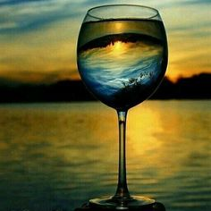 """RT @MarkoLocatin: Wow!....""""@winewankers: Sunsets and #wine, they pair perfectly! pic.twitter.com/GB47SOf0Ll"""""""