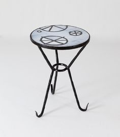 Elizabeth GarousteLogique side table