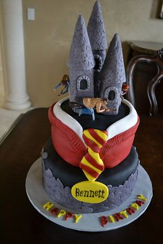 My birthday is in august. If someone wanted to make me this cake it would be the best birthday gift ever!!