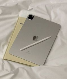 Study Hard, Study Inspiration, Iphone Accessories, White Aesthetic, Study Motivation, Apple Watch, Apple Iphone, Apple Laptop, Gadgets