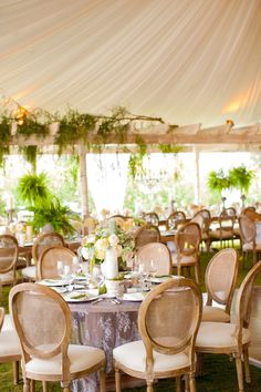 #tablescapes, #tent  Photography: Birds of a Feather - birdsofafeatherphoto.com/ Planning + Design: Amorology - amorologyweddings.com Floral Design: Twigg Botanicals - twiggbotanicals.com  Read More: http://stylemepretty.com/2013/07/15/rancho-santa-fe-wedding-from-birds-of-a-feather-amorology/