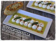 Büffelmozzarella mit Zitronen-Vinaigrette Tapas, Cooking Spoon, Vinaigrette, Sushi, Drinks, Spring, Breakfast, Ethnic Recipes, Deep Frying