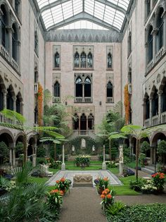 You'll find one of the world's most impressive private art collections at Isabella Stewart Gardner's grand Venetian-style palazzo.