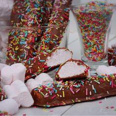 Krokofanter - godaste ever och helt perfekta - Victorias provkök Meringue Pavlova, Sweet Cookies, Homemade Candies, Banana Cream, Foods With Gluten, Cream Pie, Christmas Candy, Fudge, Sprinkles