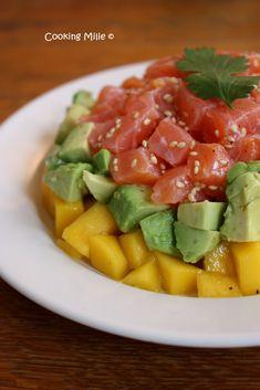 Tartare de saumon, avocat et mangue Fruit Salad, Food Porn, Brunch, Dishes, Cooking, Healthy, Foodies, Menu, Table