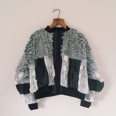 12355098_10156278546470032_1045842855_n (2) New Outfits, Cute Outfits, Fashion Outfits, Womens Fashion, Fur Bomber, Bomber Jacket, Fur Jacket, Sweater Jacket, Cozy Fashion
