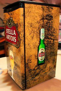 Canada's number one source for custom designed, custom printed vinyl mini fridge wraps and beer fridge decals! $45 Flat-rate shipping! Stella Artois, Man Cave Kegerator, Man Cave Fridges, Beer Fridge, Mini Fridge, Painted Fridge, Refrigerator Wraps, Home Bar Designs, Custom Wraps