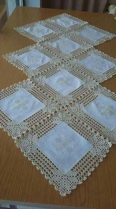 Crochet Doilies Free Pattern Runners Lace Tablecloths 35 Ideas For 2019 - Diy Crafts - hadido Crochet Fabric, Crochet Motifs, Crochet Quilt, Crochet Borders, Crochet Squares, Filet Crochet, Crochet Doilies, Crochet Flowers, Crochet Patterns