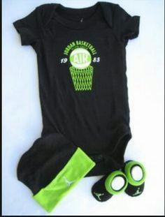 30afb6aff0f1 Air shirt green nd black jordan hat green nd black socks Nike Outfits