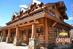 With our handcrafted expertise, we can provide a Latewood finish to your log structure. This type of finishing leaves the western red cedar logs with a unique, silky smooth effect. #handcraftedloghomes #loghomebuilders #latewoodfinish