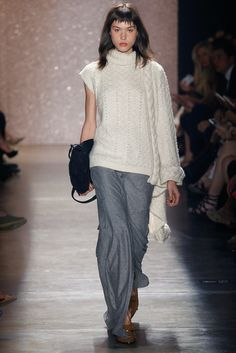 Lilly Sarti, Look #17