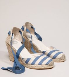 sam Edelman for AEO Espadrille    • Striped textile upper • Jute wedge • Ribbon ankle ties Sam Edelman for AEO Espadrille  We collaborated with Sam Edelman to create stylish, of-the-moment shoes. Exclusively at AE.