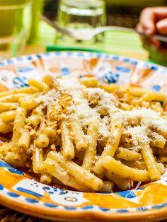 Venticinque minuti e i vostri Sedanini con panna, salsiccia e noci saranno in tavola! Perfetti per un pasto consistente, non troppo light ma gustosissimo! #pastapannaesalsiccia