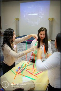Participación de la juventud en Taller de Tecnología #lldmfresno #lldmfresnoyouth #lldmfresnotalleres #lldmfresnojovenes